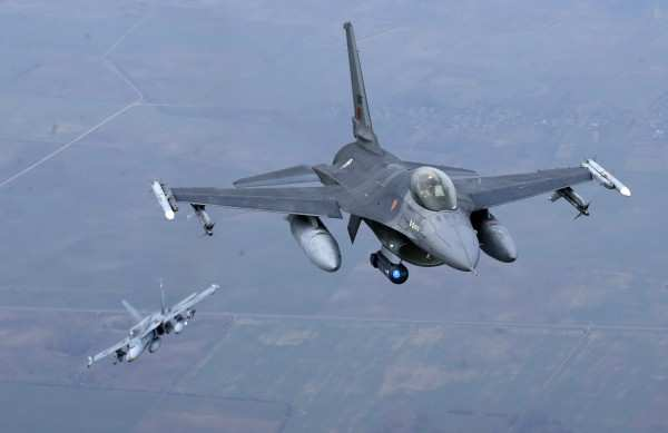 Самолеты НАТО нанесли авиаудар поэлектроподстанциям подАлеппо | Русская весна
