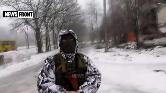 Ополченец «Белый» проводит экскурсию по городу Ясиноватая, который полностью разрушен ВСУ (ВИДЕО) | Русская весна