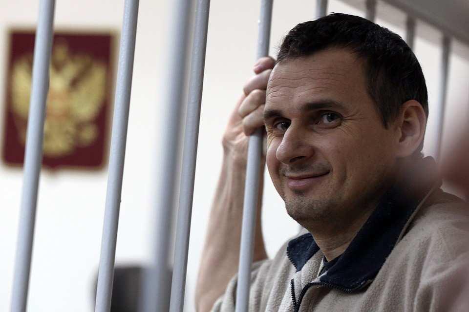 «Выглядит вполне здоровым», — уполномоченный поправам человека оСенцове, голодающем 115дней | Русская весна