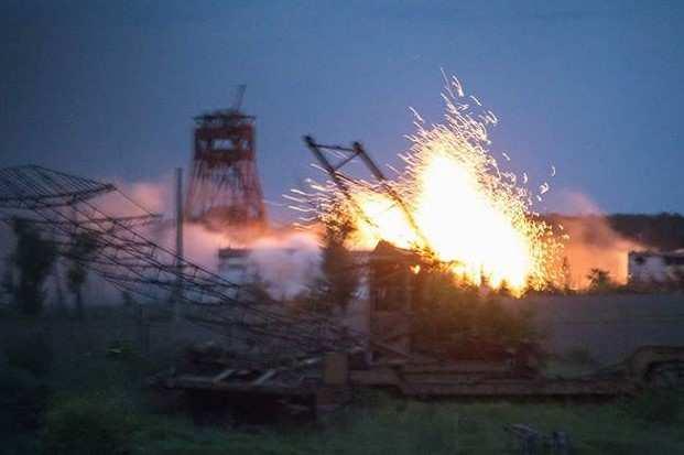 Точно в блиндаж! — артиллерист-снайпер уничтожил группу ВСУшников под Горловкой | Русская весна