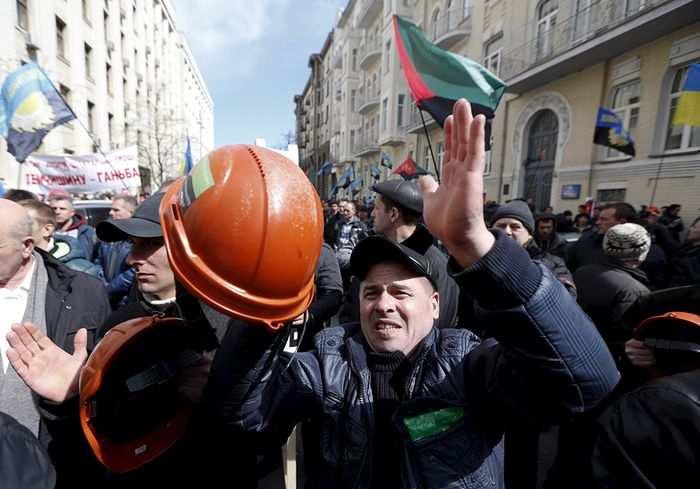 Аваков заявляет о первых задержаниях среди митингующих шахтеров | Русская весна
