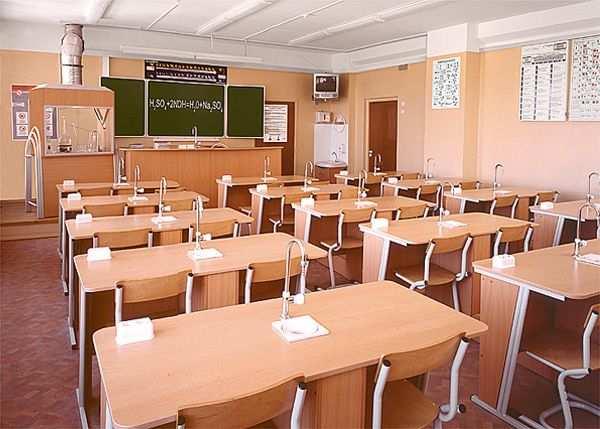 В ЛНР обещают восстановить все учебные заведения к 1 сентября | Русская весна