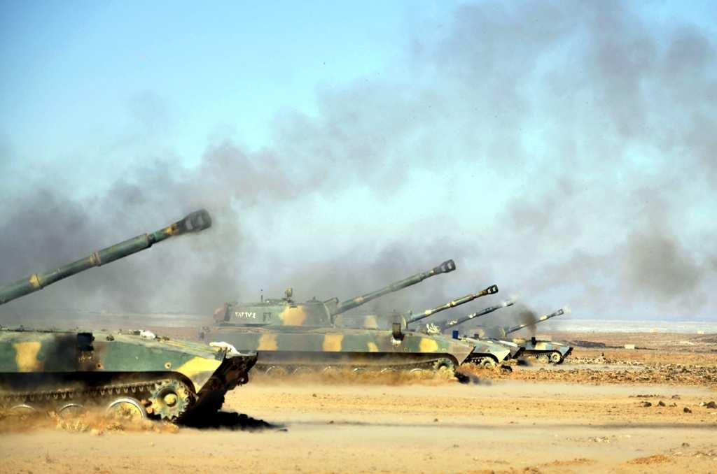 Эксклюзивные кадры: сирийская артиллерия поливает террористов в Сальме шквальным огнем (ВИДЕО)   Русская весна