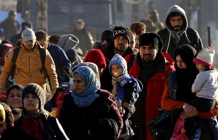 Первый самолет с сирийскими беженцами приземлился в аэропорту Торонто | Русская весна