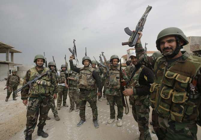 Сирийские солдаты показали обмундирование НАТО, захваченное убоевиков (ВИДЕО) | Русская весна