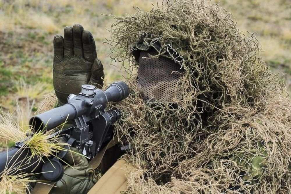 Донбасс: снайпер ликвидировал украинского оккупанта | Русская весна