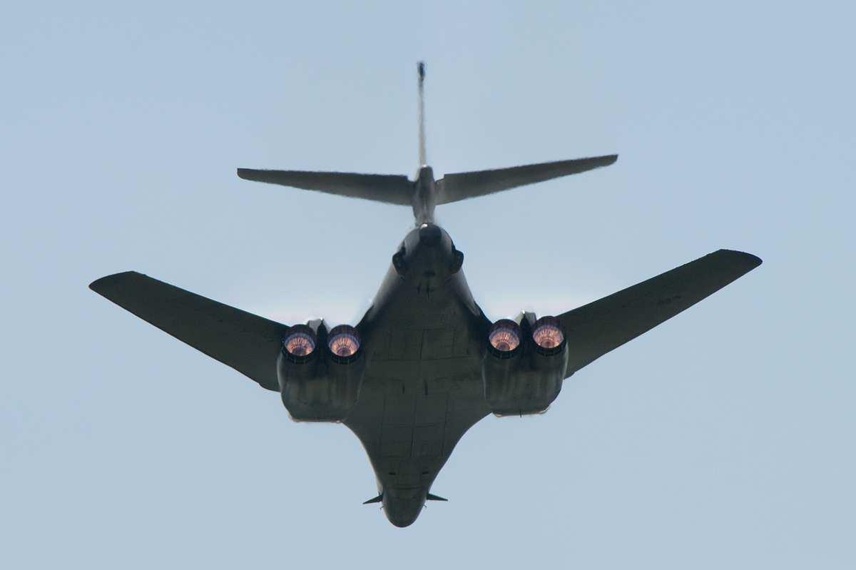 США отзывают сверхзвуковые бомбардировщики из Сирии и Ирака | Русская весна
