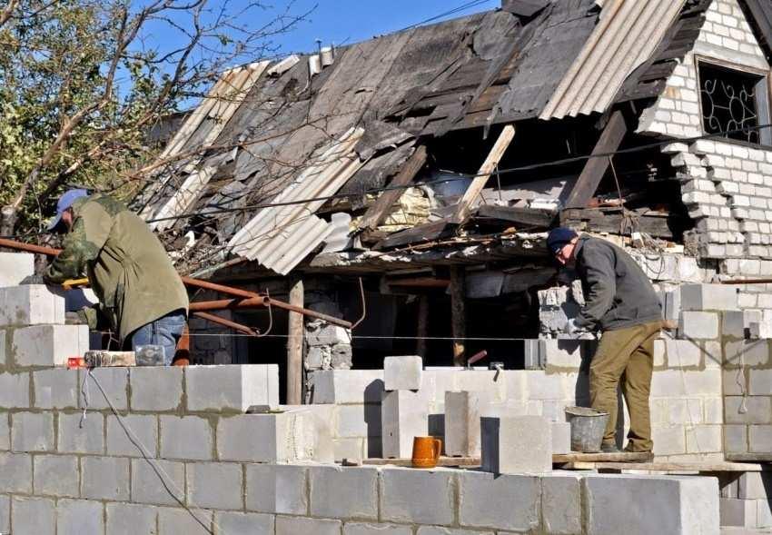 Власти ДНР восстановят и отстроят 1,5 тыс. домов для потерявших жилье во время боев   Русская весна