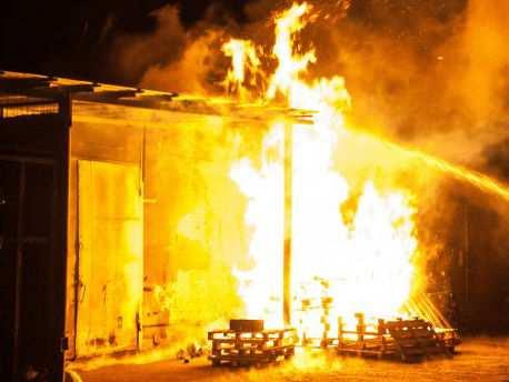 Причиной пожара на складе боеприпасов в Сватово стала халатность должностных лиц | Русская весна