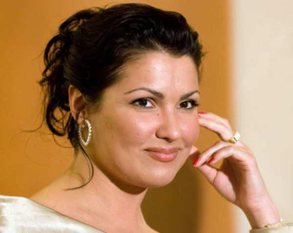 Всемирно известная оперная певица Анна Нетребко передала 1 млн рублей для Донецкого театра оперы и балета | Русская весна