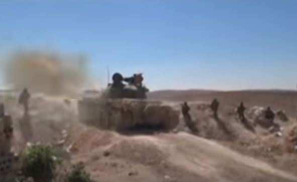 Ожесточенные бои на подступах кПальмире: танки и «Грады» САА выжигают позиции ИГИЛ (ВИДЕО)   Русская весна