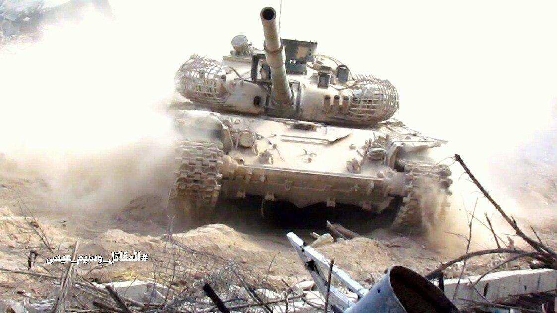 Кадры боев: ВКС РФ и Армия Сирии освобождают от ИГИЛ обширные территории на пути из Пальмиры к Дейр Зор (ФОТО, ВИДЕО) | Русская весна