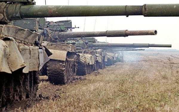 МОЛНИЯ: на окраине Донецка идет бой с применением танков и минометов | Русская весна
