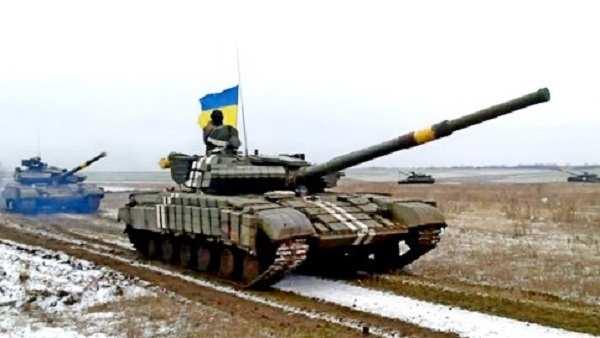 ВСУобстреливают окраины Донецка изтанков, — Минобороны ДНР | Русская весна