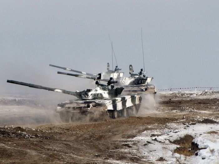 Украинские танки попытались прорваться в Донецк через блокпост армии ДНР | Русская весна