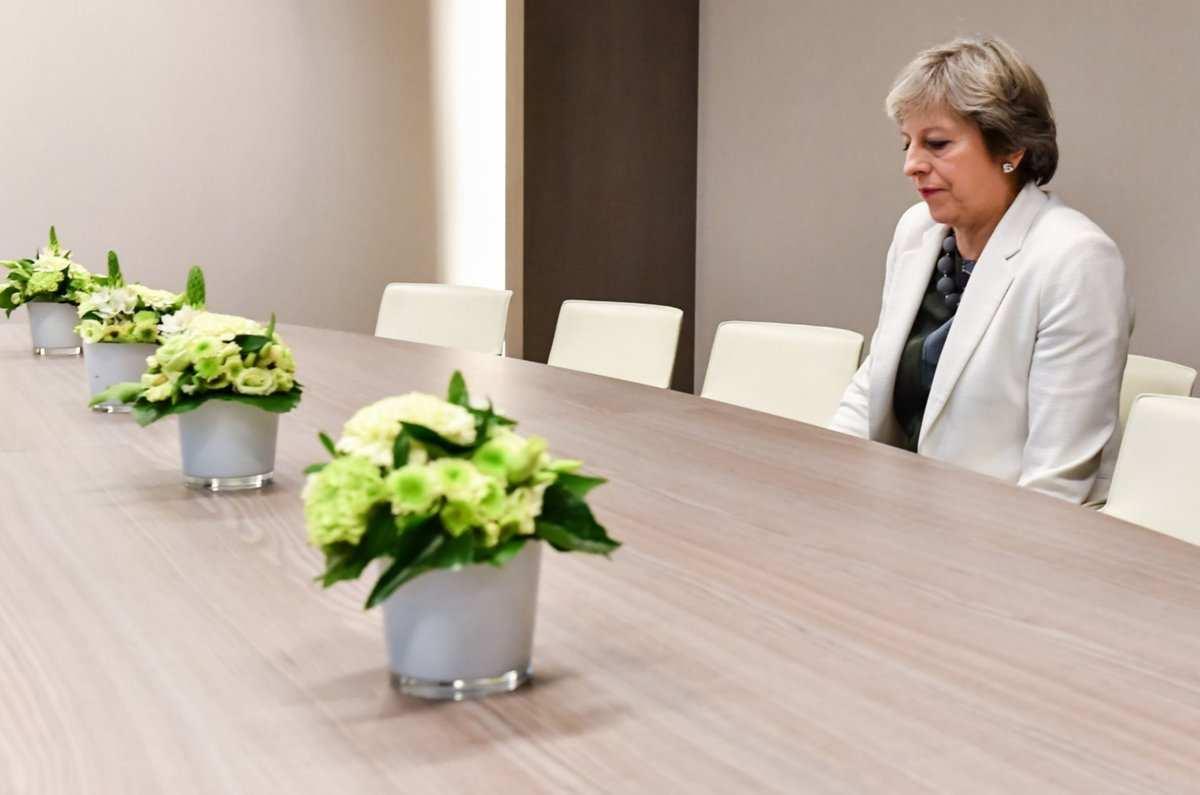 Действия МэйвСирии поддерживает менее трети британцев — опрос | Русская весна