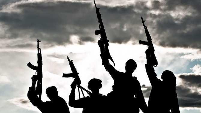 Спрятавшись от ВКС РФ за песчаной бурей, ИГИЛ бросилось на штурм в Дейр-эз-Зор   Русская весна