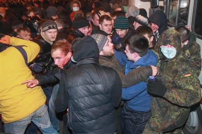Центр Киева в ожидании социальных протестов, стянуты тысячи милиционеров | Русская весна