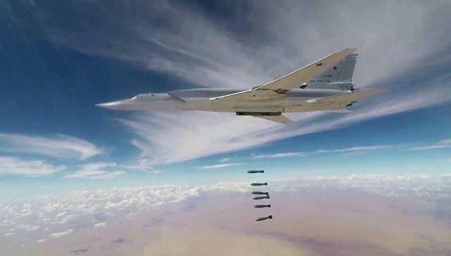 Российские бомбардировщики Ту-22М3уничтожили объекты ИГИЛ вСирии (ВИДЕО) | Русская весна