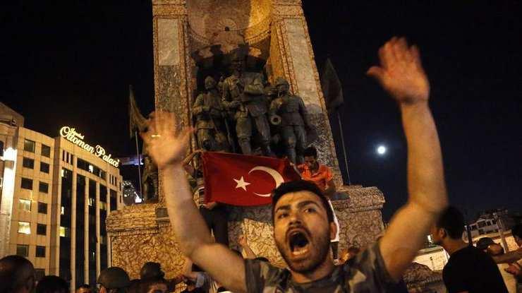 В ходе военного мятежа в Турции погибли 60 человек | Русская весна