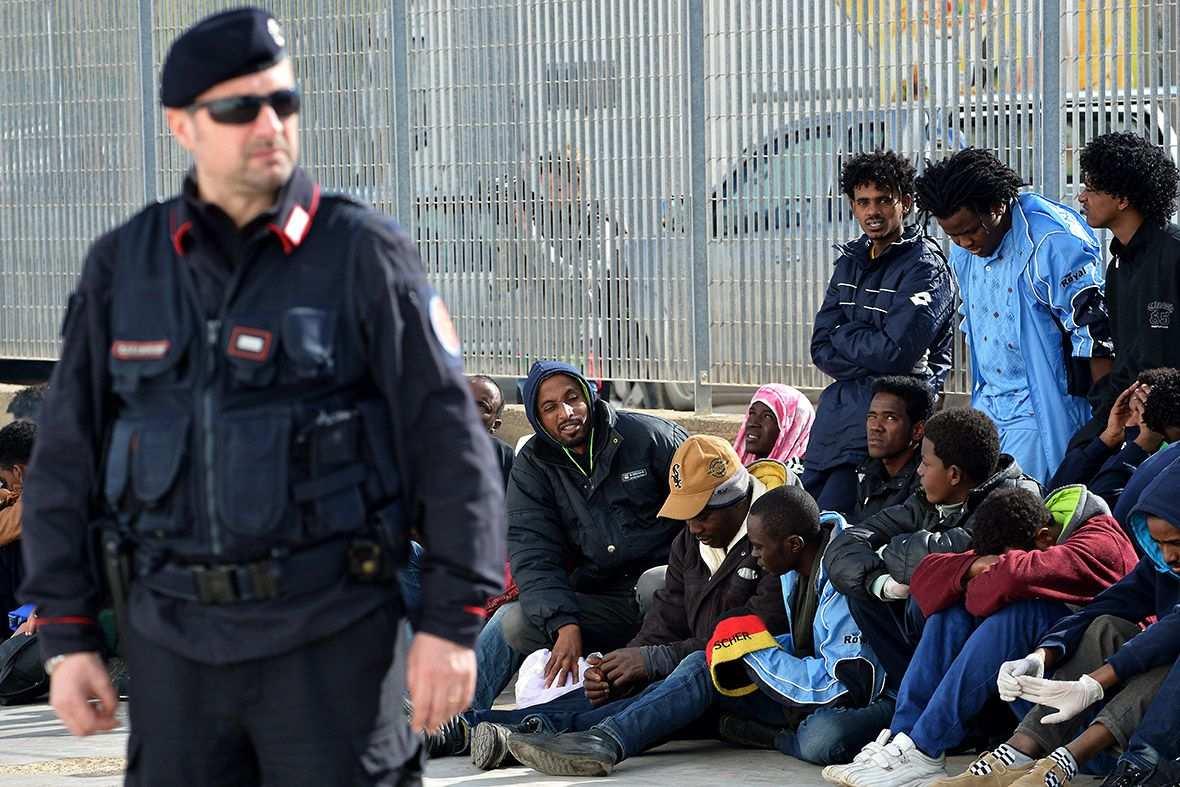 Пограничники Турции изъяли четыре пояса со взрывчаткой у прибывших из Сирии беженцев   Русская весна