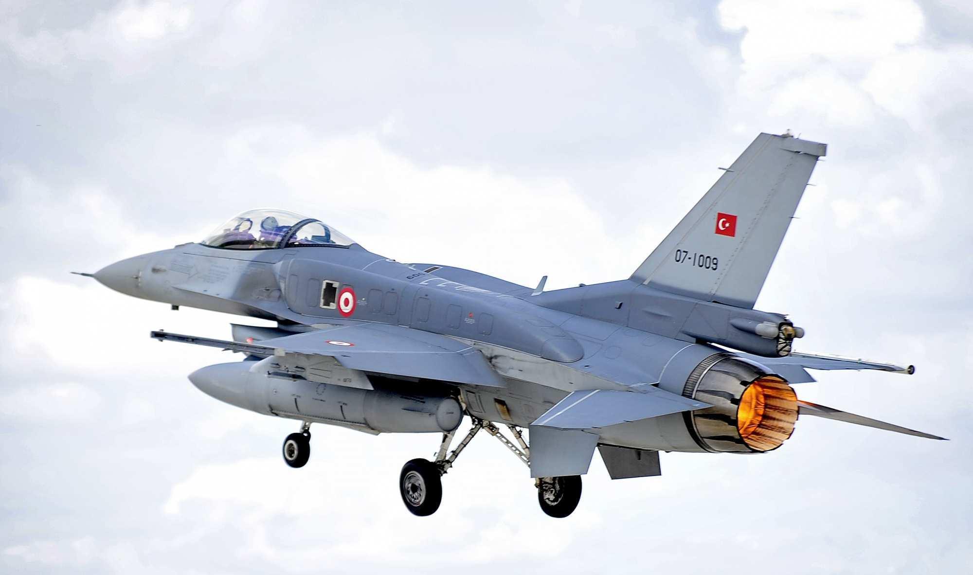 МОЛНИЯ: Турция направила к границе с Сирией военную авиацию после обстрела позиций курдов в Алеппо, — очевидцы   Русская весна