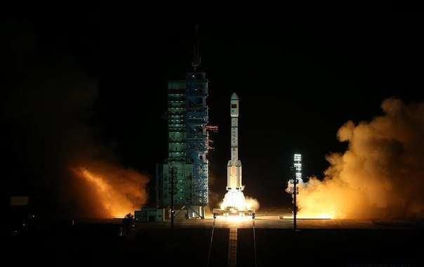 Китай запустил первый грузовой космический корабль (ВИДЕО) | Русская весна