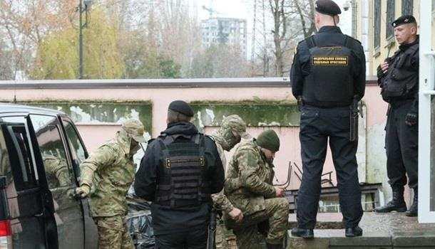 Украинским морякам, задержанным вКерченском проливе, предъявлено обвинение | Русская весна