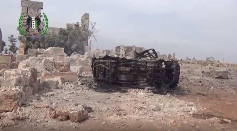 Страшные последствия авиаудара по базе террористов в Сирии: руины и сожженные машины (ВИДЕО) | Русская весна