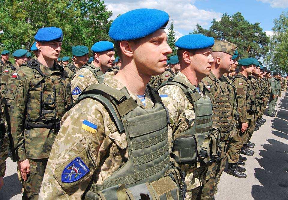 «Порох нам не указ, мы все храним голубые береты», — украинские десантники массово отмечают «неправильный» День ВДВ | Русская весна