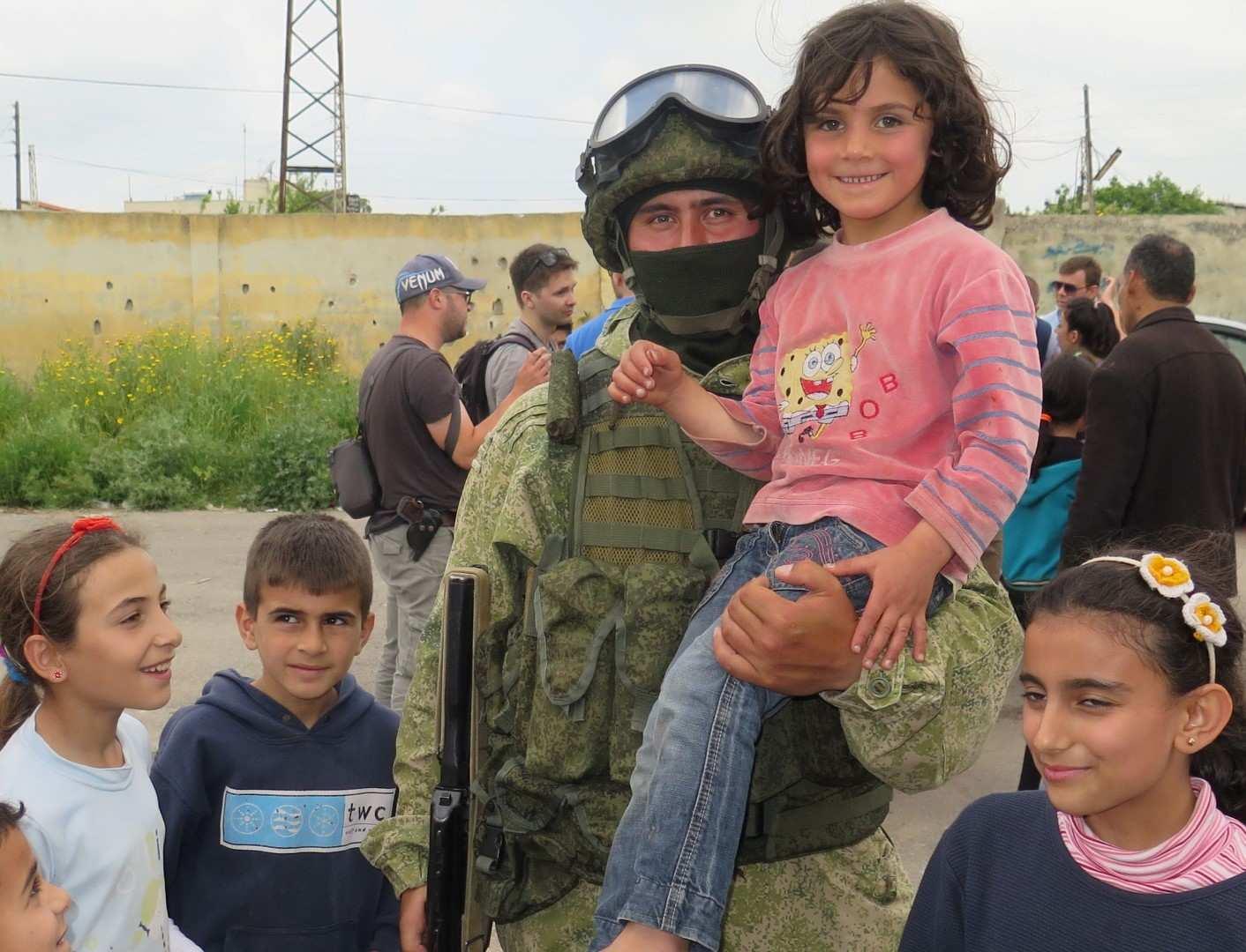 Трогательные кадры: Российская армия и счастливые дети Сирии (ВИДЕОКЛИП) | Русская весна