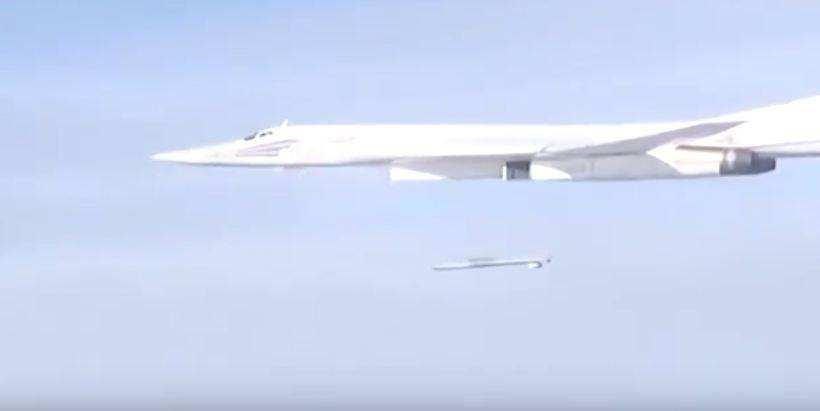 Массированные удары крылатыми ракетами и авиабомбами по позициям ИГИЛ (ВИДЕО) | Русская весна