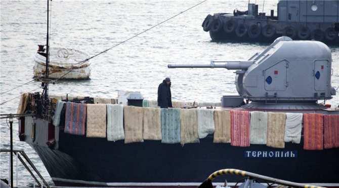 Начата реформа остатков украинских ВМС: Порошенко назначил новую дату «дня флота Украины» | Русская весна