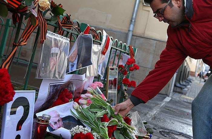 ВМоскве почтили память Олеся Бузины обещанием свергнуть бандеровскую власть (ВИДЕО)  | Русская весна