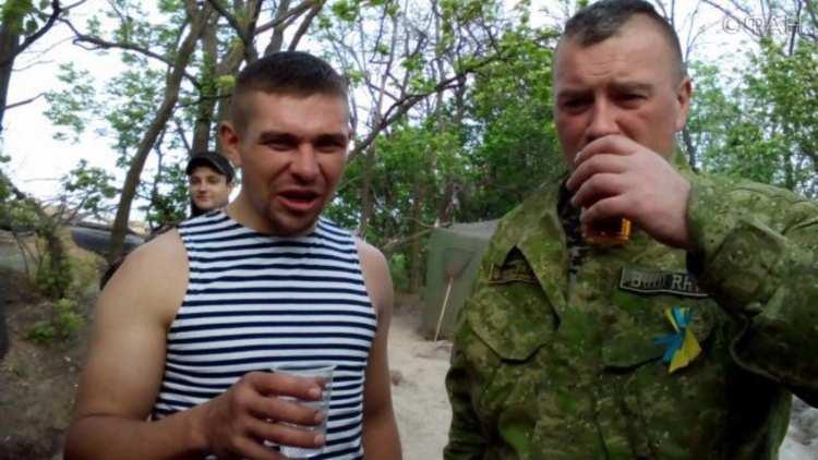 Пьянство — главная причина небоевых потерь ВСУ   Русская весна