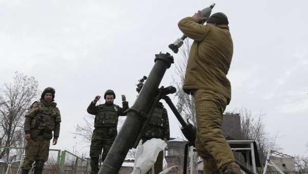 ВСУ днем выпустили по зоне Донецкого аэропорта около 12 мин | Русская весна