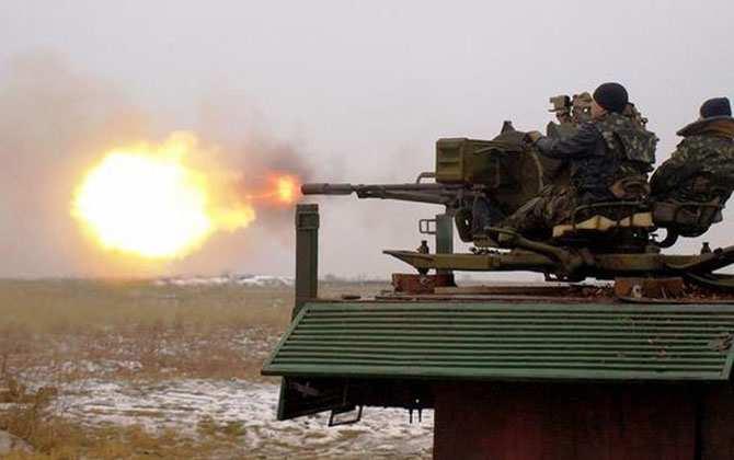 Хроника 7 апреля: день годовщины ДНР украинские каратели «отметили» попыткой танкового прорыва в аэропорт и многочисленными обстрелами | Русская весна