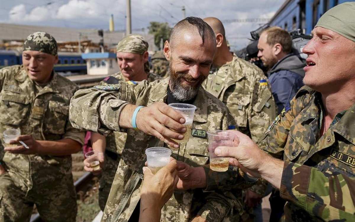 Более половины украинцев против наступления ВСУивозвращения Донбасса — опрос | Русская весна