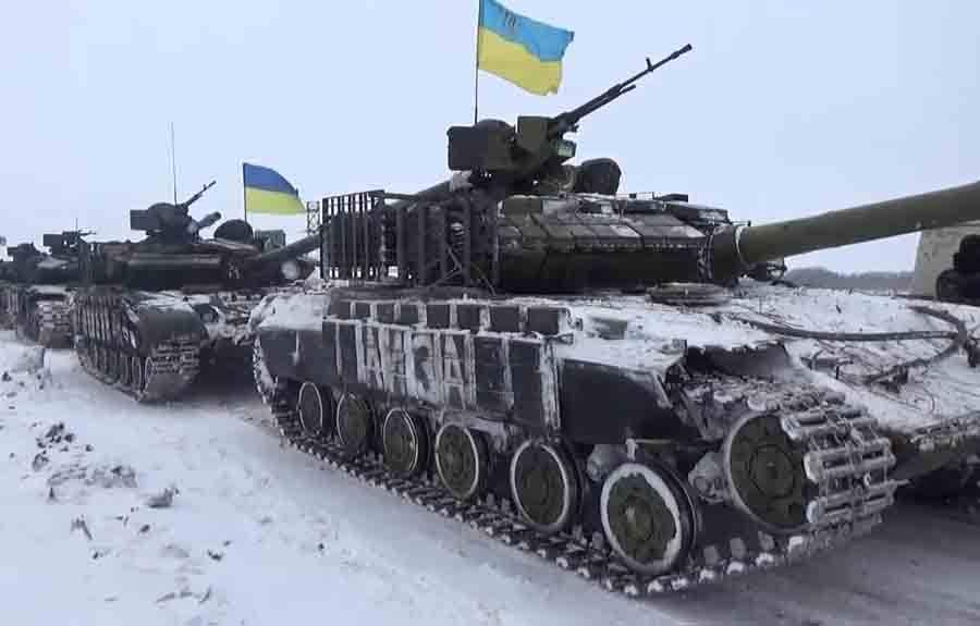 Киев занеделю перебросил клинии соприкосновения более 200единиц военной техники, — разведка ДНР | Русская весна