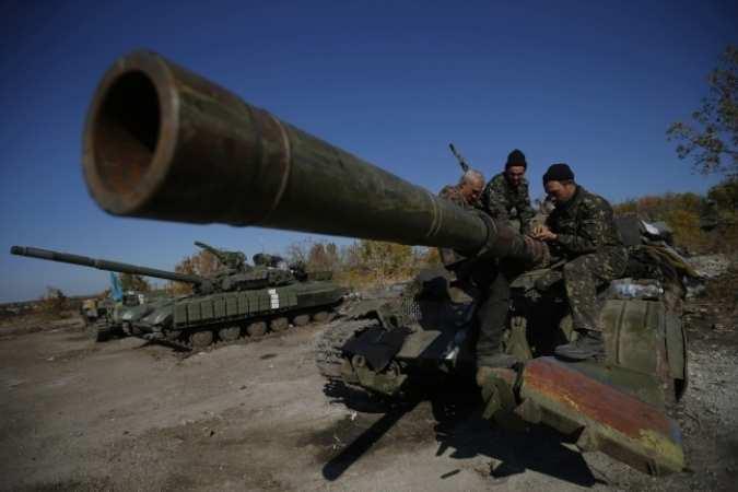 ВСУ задействовали танки дляобстрела Спартака | Русская весна