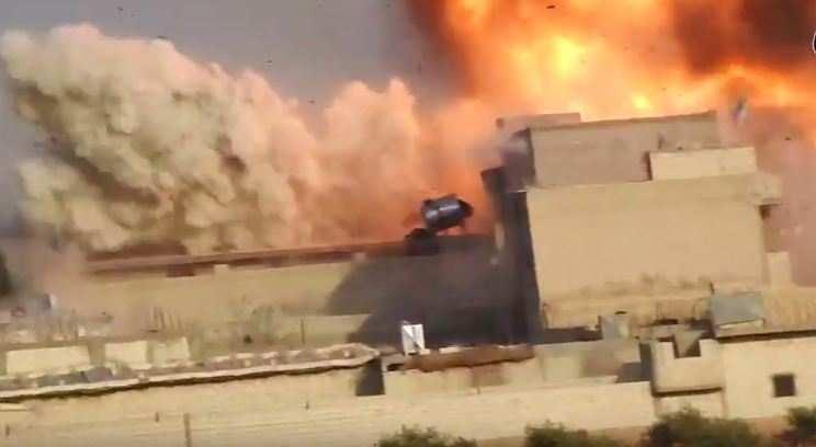 Мощнейшим взрывом смертник ИГИЛ подорвал базу курдов в Алеппо (ВИДЕО)   Русская весна