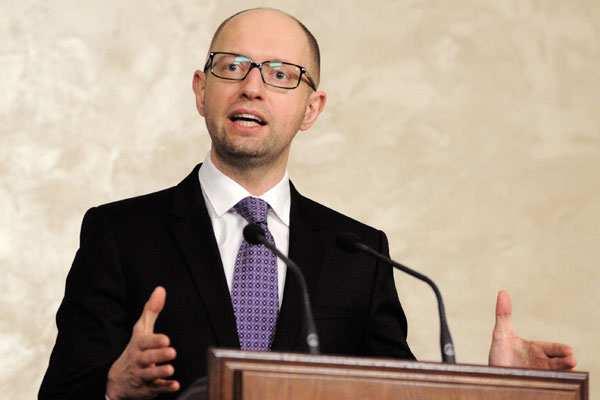 Яценюк объяснил, почему  Украина не будет платить по долгам: нужны деньги на карательную операцию | Русская весна