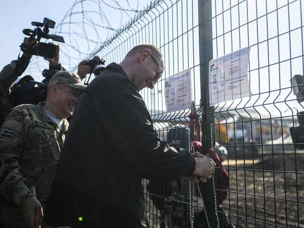 Вместо  «Европейского  вала» Яценюк велел рыть противотанковые рвы | Русская весна
