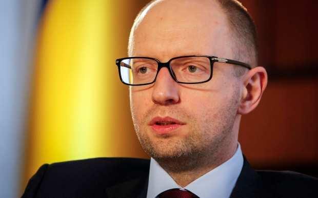 Яценюк продолжает ждать безвизовый режим | Русская весна