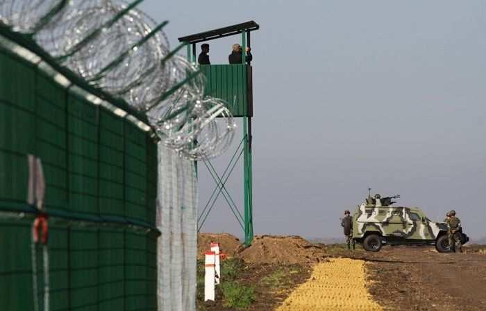 Порошенко вновь собирается восстанавливать контроль на границе Украины и России | Русская весна