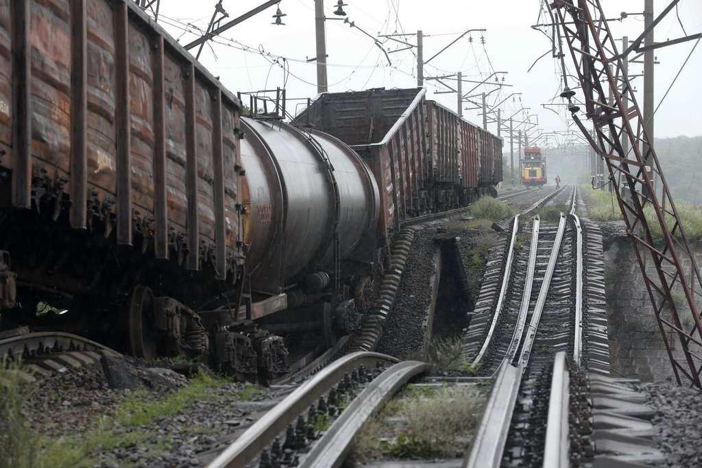 Почти 60 тонн топлива сгорело в результате диверсии на ж/д станции в Ясиноватой | Русская весна