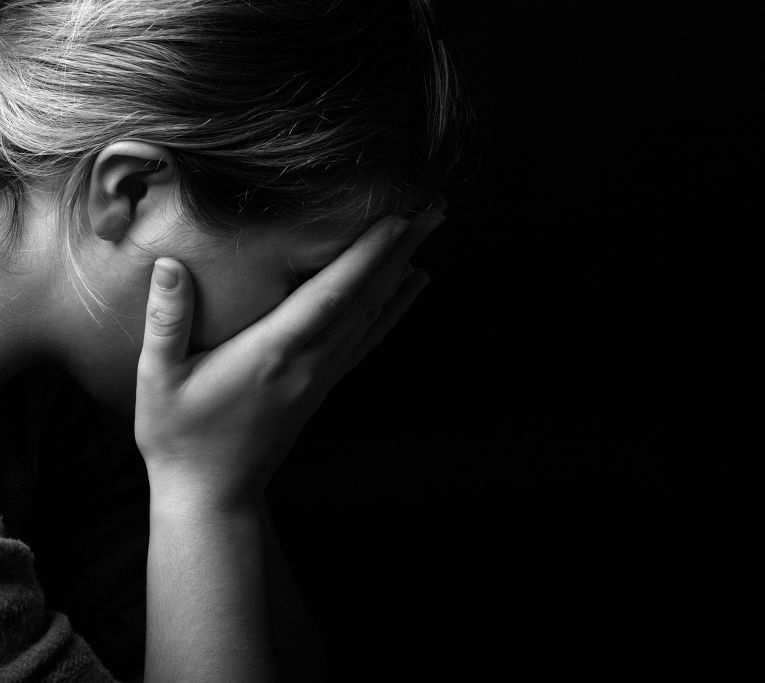 Медики не смогли спасти будущего ребенка раненной обстрелом ВСУ женщины | Русская весна