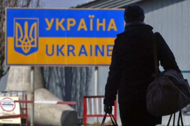 Украинцев массово снимают срейсов вЕС   Русская весна