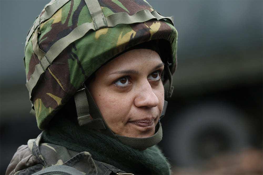 В ВСУ хотят сделать женщин гранатометчицами и пулеметчицами | Русская весна
