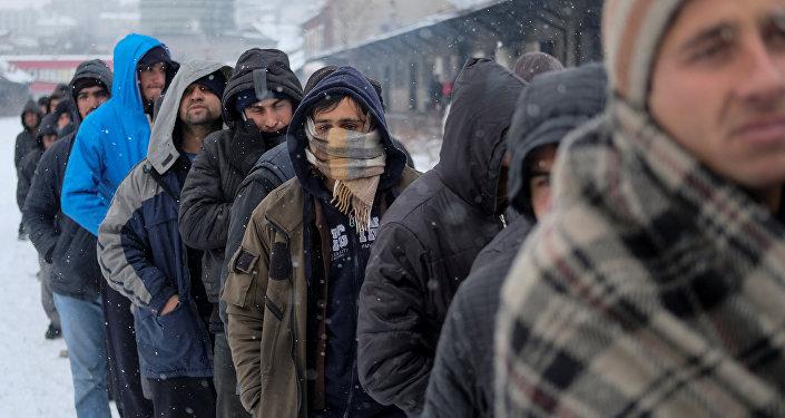 """Résultat de recherche d""""images pour """"Лукашенко и мигранты в России"""""""